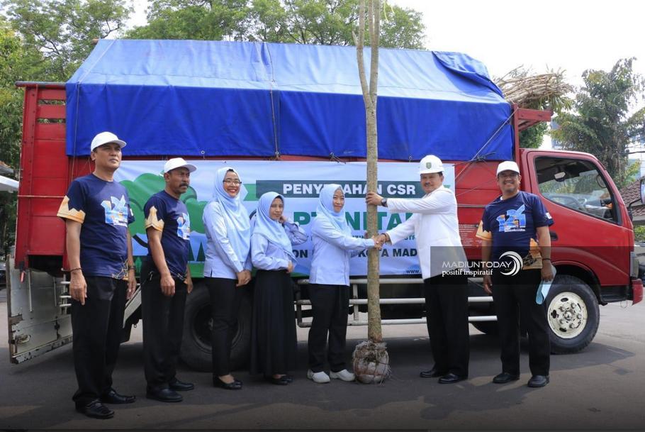 Terima CSR Pohon Tabubuya, Walikota Harap Kota Madiun Semakin Berwarna
